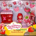 Strawberry Shortcake Berry Stylish Doll Plus Dressup Play Set